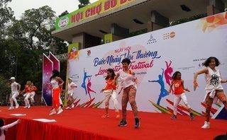 Dân sinh - Ngày hội Zumba 'Bước nhảy yêu thương': Chấm dứt bạo lực - Vun đắp yêu thương