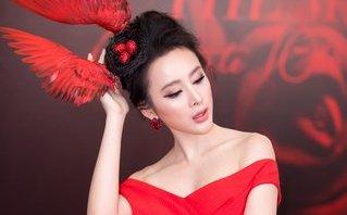 Ngôi sao - Angela Phương Trinh đội mũ tổ chim tỏa sáng trên thảm đỏ
