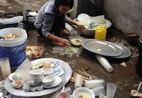 Cộng đồng mạng - Nữ blogger tiết lộ 'độc chiêu' miễn... rửa bát trong lần đầu ra mắt nhà chồng