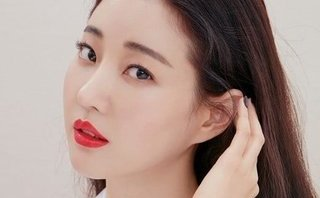 Ngôi sao - Hoa hậu Hàn Quốc Kim Sa Rang bị gãy chân khi đang làm việc ở Ý