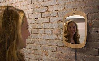 Sản phẩm - Độc đáo gương thần kỳ chỉ phản chiếu khi bạn mỉm cười