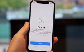Công nghệ - Bị qua mặt bởi một cặp bạn bè, điều gì đang xảy ra với Face ID?
