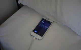 Thủ thuật - Tiện ích - Sạc pin điện thoại cả đêm, không tốt như bạn nghĩ
