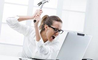 Thủ thuật - Tiện ích - Những thói quen 'vừa dùng vừa phá' khiến laptop 'chết' nhanh chóng