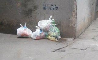 """Xã hội - Chỉ rình vứt rác trước nhà người khác, xử sao để không mất """"tình làng nghĩa xóm""""?"""