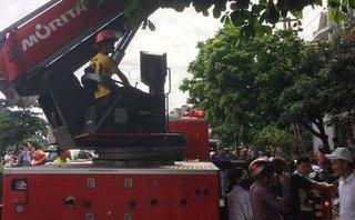 Chính trị - Xã hội - Quảng Ninh: Đổ mái nhà, một công nhân bị điện giật nguy kịch