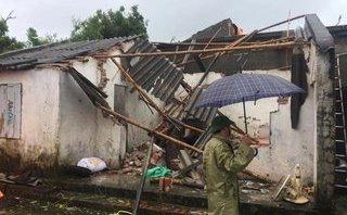 Xã hội - Thái Bình: Lốc xoáy khiến 4 người bị thương, nhiều nhà tốc mái