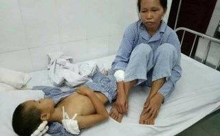 An ninh - Hình sự - Nghi phạm dùng dao chém vợ con nhập viện đòi tự tử