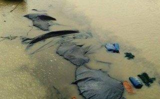 Tin nhanh - Sà lan chở hơn 1.300 tấn than bị chìm sau khi va chạm liên hoàn
