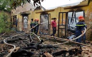 Xã hội - Hải Phòng: Hỏa hoạn thiêu rụi công ty sản xuất băng vệ sinh