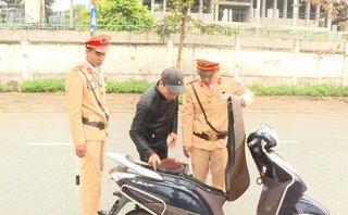An ninh - Hình sự - Kiểm tra vi phạm giao thông, phát hiện đối tượng trộm cắp xe máy