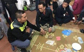 An ninh - Hình sự - Bắt quả tang 11 đối tượng xóc đĩa, đánh chắn ăn tiền