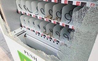 Tin nhanh - Đập phá hơn 120  triệu đồng để lấy cắp những chai nước giá 5.000 đồng