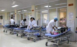 Tin nhanh - Sau khi ăn sáng, 12 du khách nước ngoài bị ngộ độc