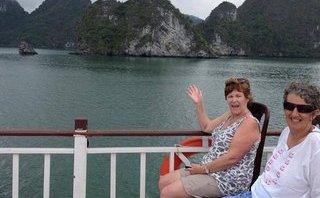 Tin nhanh - Tàu Hoàng Phương 16 đã ở đâu khi bị khách nước ngoài tố bán tour rởm?
