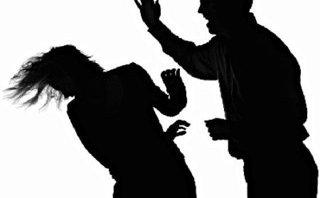 """Pháp luật - Phiên tòa giả định: Sát hại mẹ người tình vì bị """"chia loan, rẽ thúy"""""""
