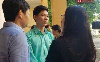 An ninh - Hình sự - Vụ xét xử bác sĩ Hoàng Công Lương: Chủ tọa ngắt lời Thẩm phán vì...hỏi lòng vòng