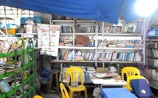 Một ngày sống chậm ở quầy sách miễn phí giữa Thủ đô, lan tỏa văn hóa đọc