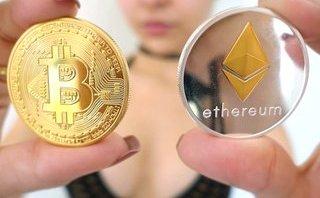 Tiêu dùng & Dư luận - Đủ loại quà lưu niệm Tết 2018 dưới hình dạng đồng Bitcoin