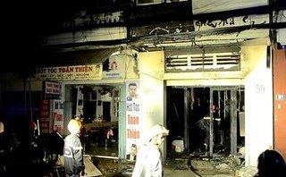 Pháp luật - Bắt đối tượng tạt xăng đốt cửa hàng của người tình để trả thù