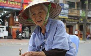 Dân sinh - Gặp cụ bà gần 90 tuổi vẫn vá xe mưu sinh bên vỉa hè Hà Nội