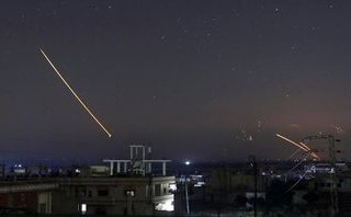 Tiêu điểm - Syria triển khai đánh chặn thành công 'cơn mưa' tên lửa Israel