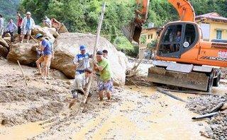 Chính trị - Xã hội - Tập trung cứu chữa miễn phí những người bị thương do mưa lũ