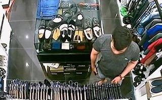 Video - Clip: Nam thanh niên đi SH trộm ví cực nhanh trong cửa hàng đồ hiệu