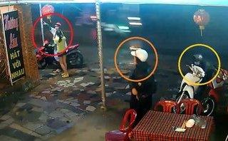 Pháp luật - Clip: Lật tẩy màn dàn cảnh tinh vi trộm xe giữa phố Sài Gòn