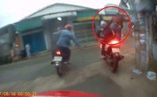 Video - Clip: Nghẹt thở màn truy bắt 2 tên cướp xe như phim hành động