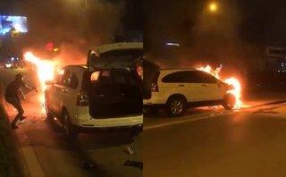 Video - Clip: Ô tô kéo lê xe máy rồi bốc cháy ngùn ngụt sau va chạm