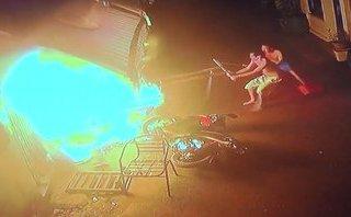 Mới- nóng - Clip: Hiện trường vụ cháy nhà trọ khiến 2 bà cháu tử vong