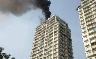 Mới- nóng - Clip: Cháy lớn ở chung cư cao cấp Golden Westlake
