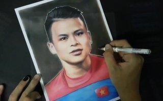 Giải trí - Clip: Chàng trai Đà Nẵng giành 16 tiếng để vẽ chân dung Quang Hải