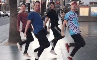 Mới- nóng - Clip: Điệu nhảy lò cò bất ngờ gây sốt trên mạng xã hội