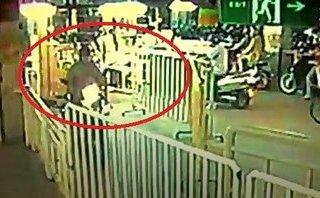 Mới- nóng - Clip: Thanh niên liều lĩnh cướp xe máy tại siêu thị Big C Đồng Nai