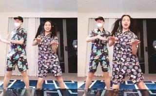 Giải trí - Clip: Đức Phúc - Hòa Minzy diện đồ ngủ nhảy nhót siêu hài lúc nửa đêm