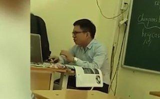 Giải trí - Clip: Thầy giáo trẻ cover Chiều hôm ấy hay không kém gì bản gốc