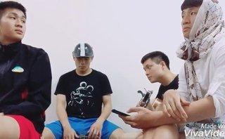 Giải trí - Bùi Tiến Dũng khiến fan cười ngất khi tung clip hát cùng đồng đội 'cực lầy'