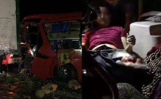 Mới- nóng - Clip: Xe khách tông vào xe container, dân hợp sức giải cứu tài xế