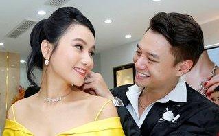 Giải trí - Sao nam 'Sống chung với mẹ chồng' bị bắt gặp tình tứ bên Lương Giang