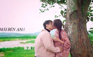 Giải trí - Hà Anh Tuấn 'khóa môi' Thanh Hằng siêu ngọt ngào