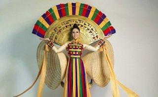 Ngôi sao - Nguyễn Thị Loan mang trống đồng, nón lá đến Miss Universe 2017