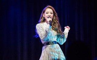 Ngôi sao - Chi Pu lại bị chê hát live kém, quên lời khi họp fan ở Hàn Quốc