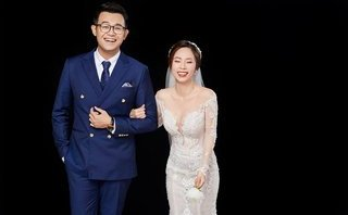 """Ngôi sao - MC Đức Bảo tung ảnh cưới """"siêu nhắng""""  bên bạn gái xinh như hotgirl"""