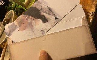 """Ngôi sao - Lộ thiệp cưới """"chuyên cơ"""" của Khắc Việt và bạn gái DJ"""