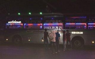 An ninh - Hình sự - Làm rõ vụ cự cãi việc thu tiền cước, phụ xe đánh 2 hành khách bị thương