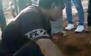 Xã hội - Gia Lai: Nghi bắt cóc trẻ em, một người đàn ông bị vây đánh