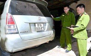 An ninh - Hình sự - Xác minh nhóm đối tượng đâm vào xe đặc chủng, bỏ lại 'hàng nóng' rồi tháo chạy