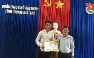 Tin nhanh - Trao tặng bằng khen cho thầy giáo trả lại 88 triệu đồng